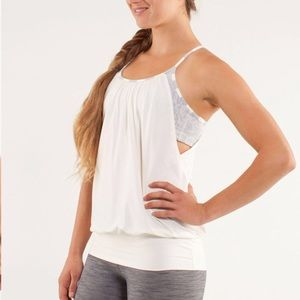 Lululemon size 10 off white top with grey bra